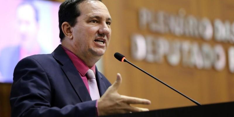 Barranco cobra punição de secretários que ignoram requerimentos da AL
