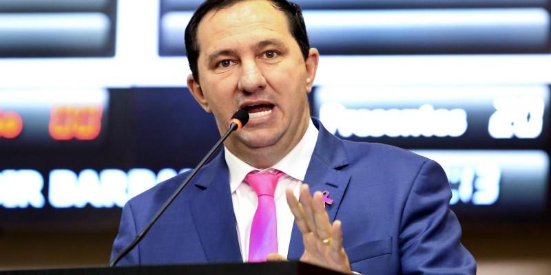 MP investiga Taques por irregularidade em transferência de recurso para educação